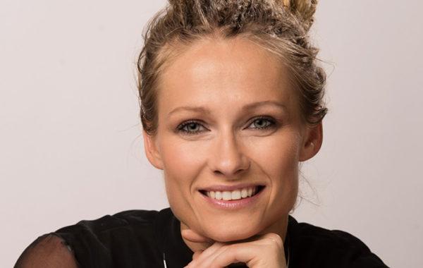 Adriana Marais